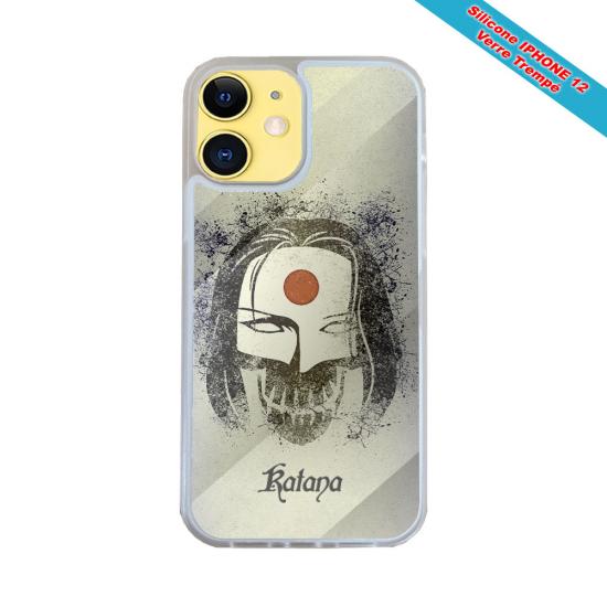 Coque IPhone silicone gravure sur Femme méditation Matières:Silicone et bois bambou