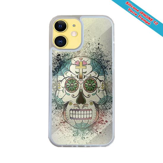 Coque IPhone silicone gravure sur Main de fatma Matières:Silicone et bois bambou